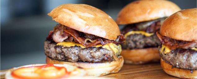 boxes-burgers-beyond-borders-2.jpg